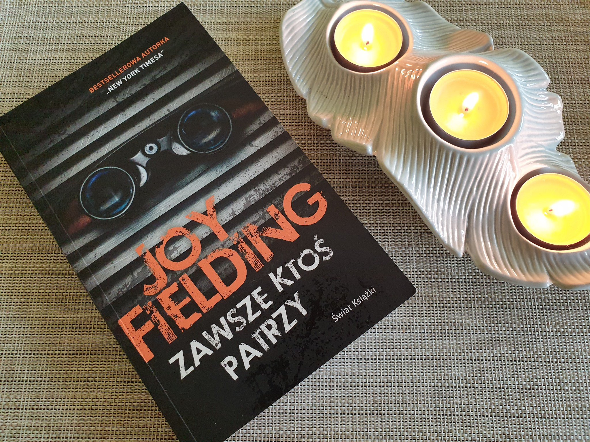 """""""Zawsze ktoś patrzy"""" Joy Fielding [Książki spod lady]"""