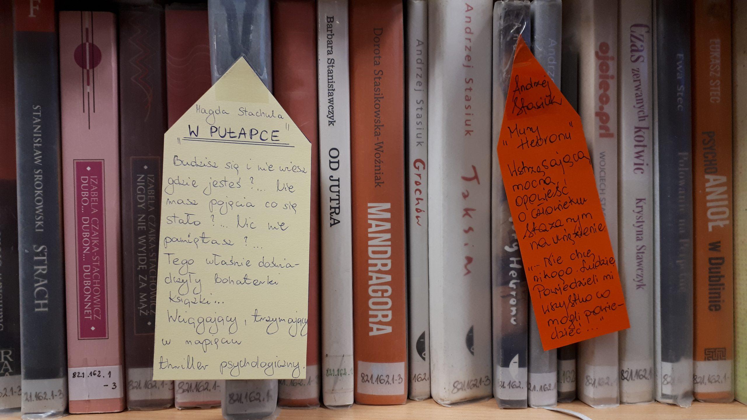 Książki polecają się w bibliotece